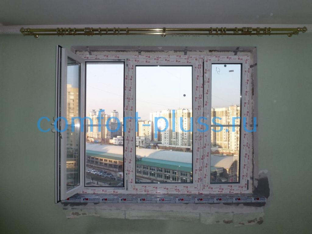 окно без отделки откосов