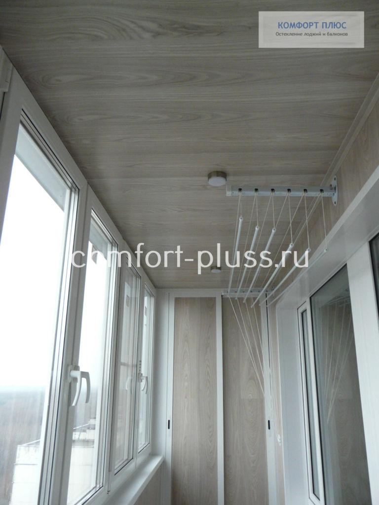 Отделка лоджии ламинатом, стены и потолок.